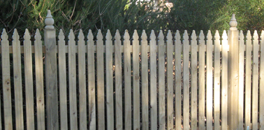 Wholesale Timber Fencing, Wholesale Timber Picket Fencing, Timber colonial picket fencing