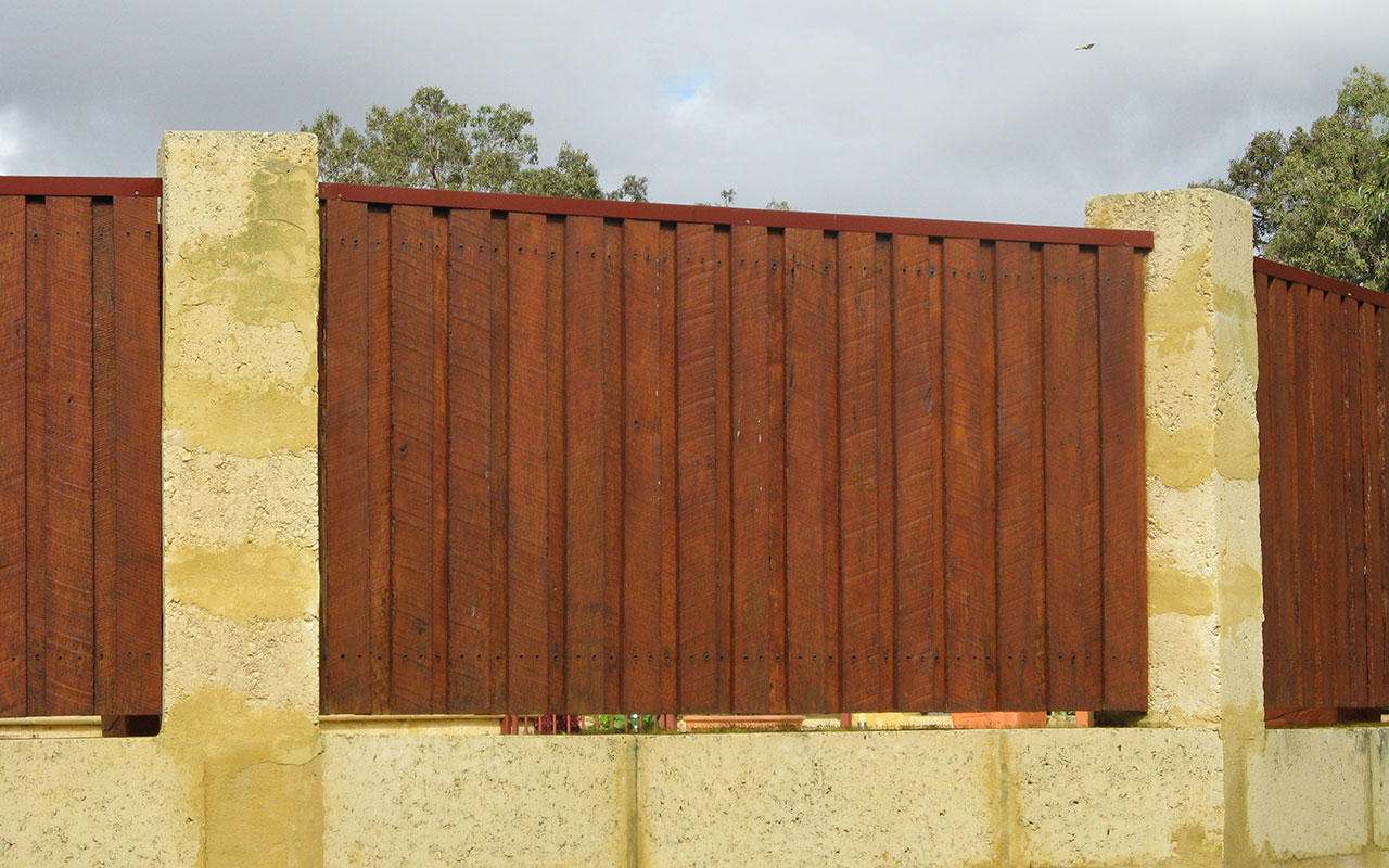 Wholesale Timber Fencing, Wholesale Timber Jarrah Fencing, Timber Jarrah Fencing