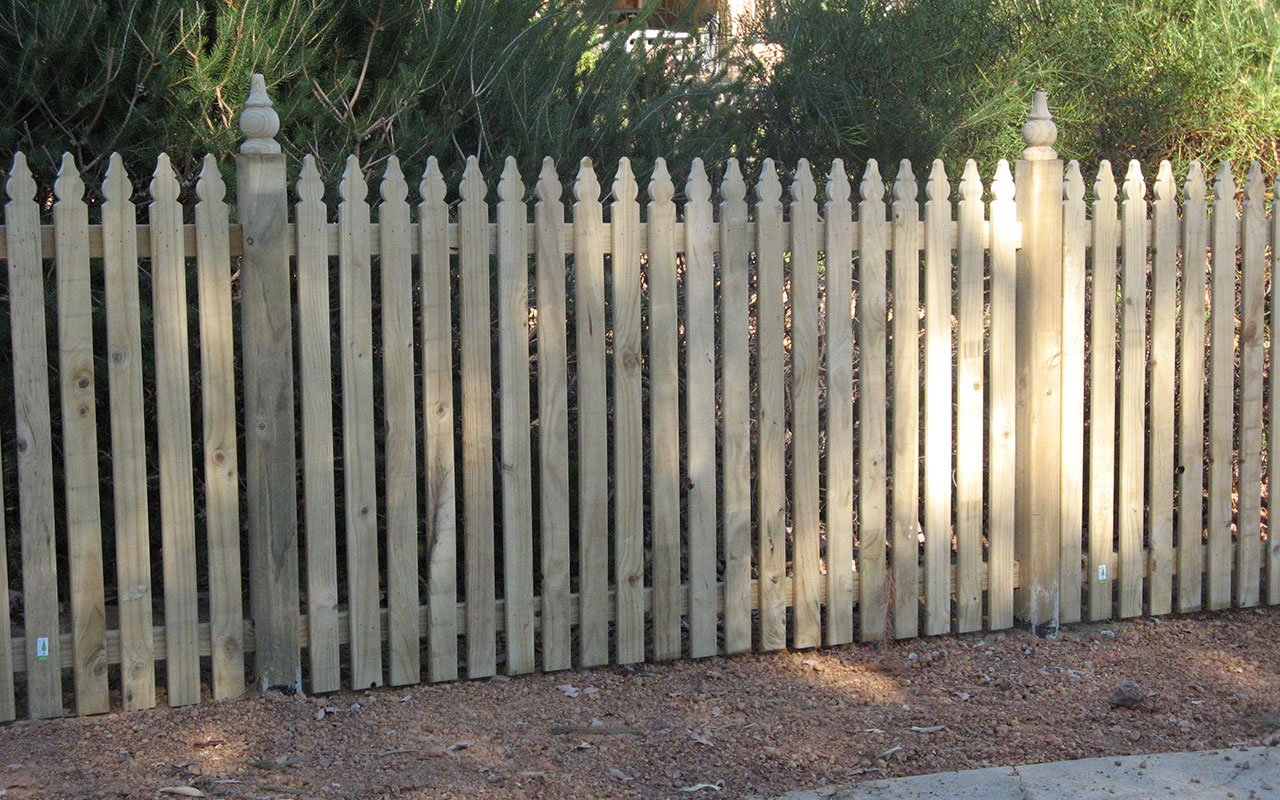 Picket Fencing | Wholesale Timber Fencing | Wholesale Fencing Supplies